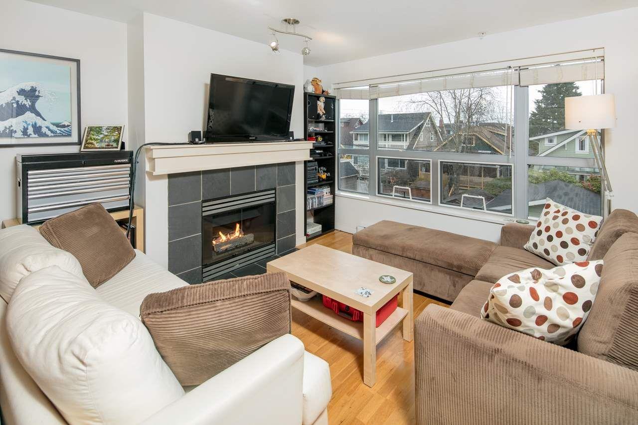 """Main Photo: 306 3161 W 4TH Avenue in Vancouver: Kitsilano Condo for sale in """"Bridgewater"""" (Vancouver West)  : MLS®# R2252176"""