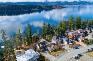 Photo 2: 7308 Lakefront Dr in : Du Lake Cowichan House for sale (Duncan)  : MLS®# 868947