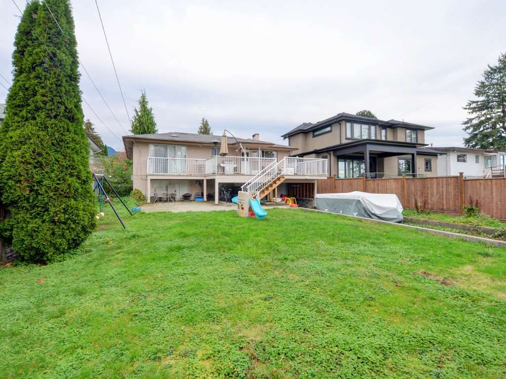 Photo 5: Photos: 915 E 14TH Street in North Vancouver: Boulevard House for sale : MLS®# R2131992