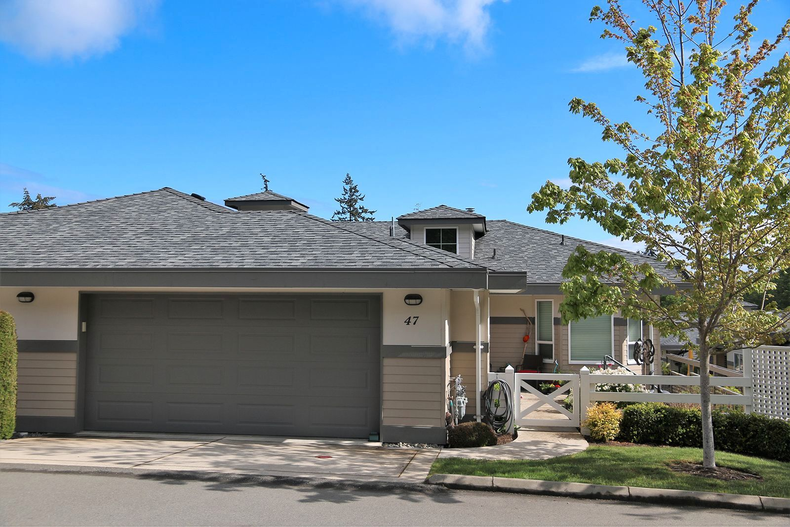 Main Photo: 47 500 S Corfield Street in Parksville: Otter District Townhouse for sale (Parksville/Qualicum)