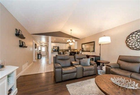 Photo 3: Photos: 53 N Lady May Drive in Whitby: Rolling Acres House (Bungaloft) for sale : MLS®# E3206710