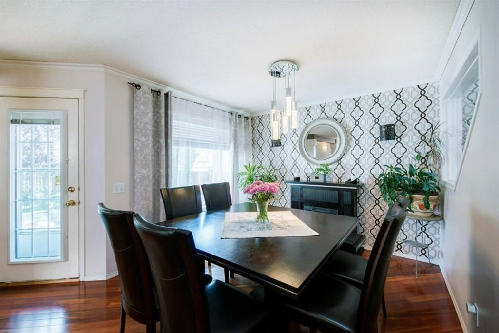 Photo 13: Photos: 10 MT BREWSTER Circle SE in Calgary: McKenzie Lake Detached for sale : MLS®# A1025122
