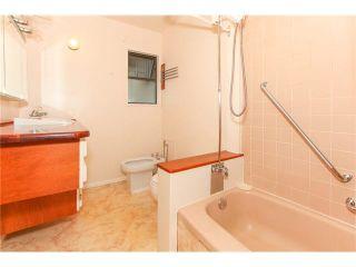 Photo 10: 1205 BEACH GROVE Road in Tsawwassen: Beach Grove 1/2 Duplex for sale : MLS®# V1135632