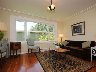 Photo 6: 1392 Rockland Ave in Victoria: Residential for sale (203)  : MLS®# 283459