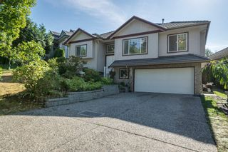 """Photo 3: 14538 78 Avenue in Surrey: East Newton House for sale in """"Chimney Heights"""" : MLS®# R2198322"""