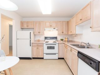 """Photo 9: 102 5955 177B Street in Surrey: Cloverdale BC Condo for sale in """"Windsor Place"""" (Cloverdale)  : MLS®# R2617210"""