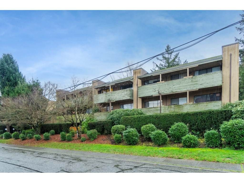 """Photo 32: Photos: 113 33400 BOURQUIN Place in Abbotsford: Central Abbotsford Condo for sale in """"Bakerview Place"""" : MLS®# R2523982"""