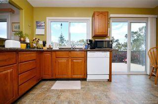 Photo 8: 913 Nicholson St in VICTORIA: SE High Quadra House for sale (Saanich East)  : MLS®# 789694