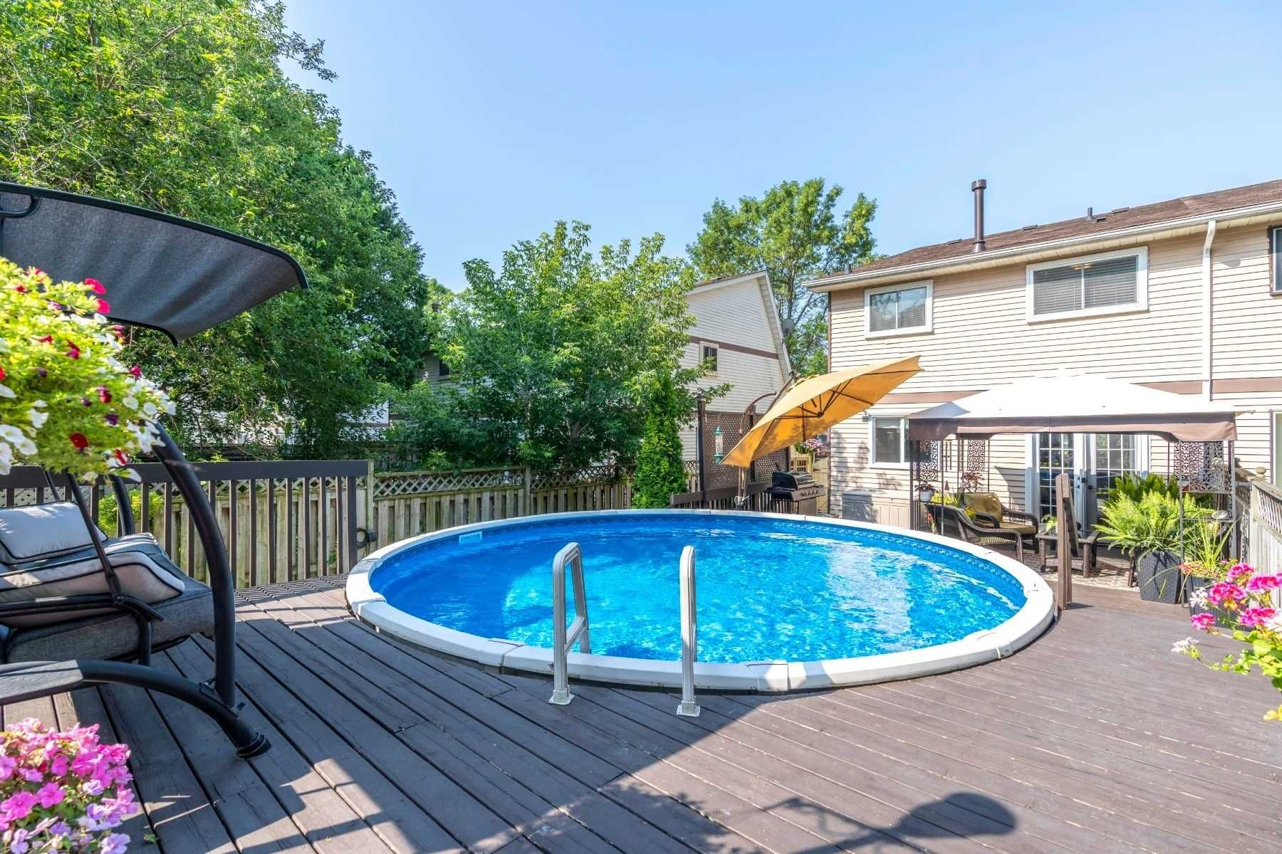 Photo 19: Photos: 547 Camelot Drive in Oshawa: Eastdale House (2-Storey) for sale : MLS®# E4529227