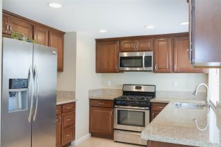 Photo 4: EAST SAN DIEGO House for sale : 3 bedrooms : 1253 Armstrong Circle in Escondido