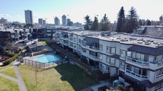 """Photo 22: 312 1840 E SOUTHMERE Crescent in Surrey: Sunnyside Park Surrey Condo for sale in """"SOUTHMERE MEWS WEST"""" (South Surrey White Rock)  : MLS®# R2443327"""