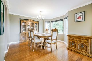 """Photo 9: 5749 189A Street in Surrey: Cloverdale BC House for sale in """"FAIRWAY ESTATES"""" (Cloverdale)  : MLS®# R2545304"""