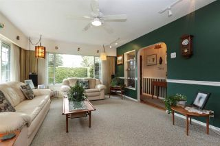 Photo 5: 2412 LARSON Road in North Vancouver: Central Lonsdale House for sale : MLS®# R2158525