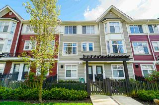 Photo 1: 72 20852 77A AVENUE in Langley: Willoughby Heights Townhouse for sale : MLS®# R2398984