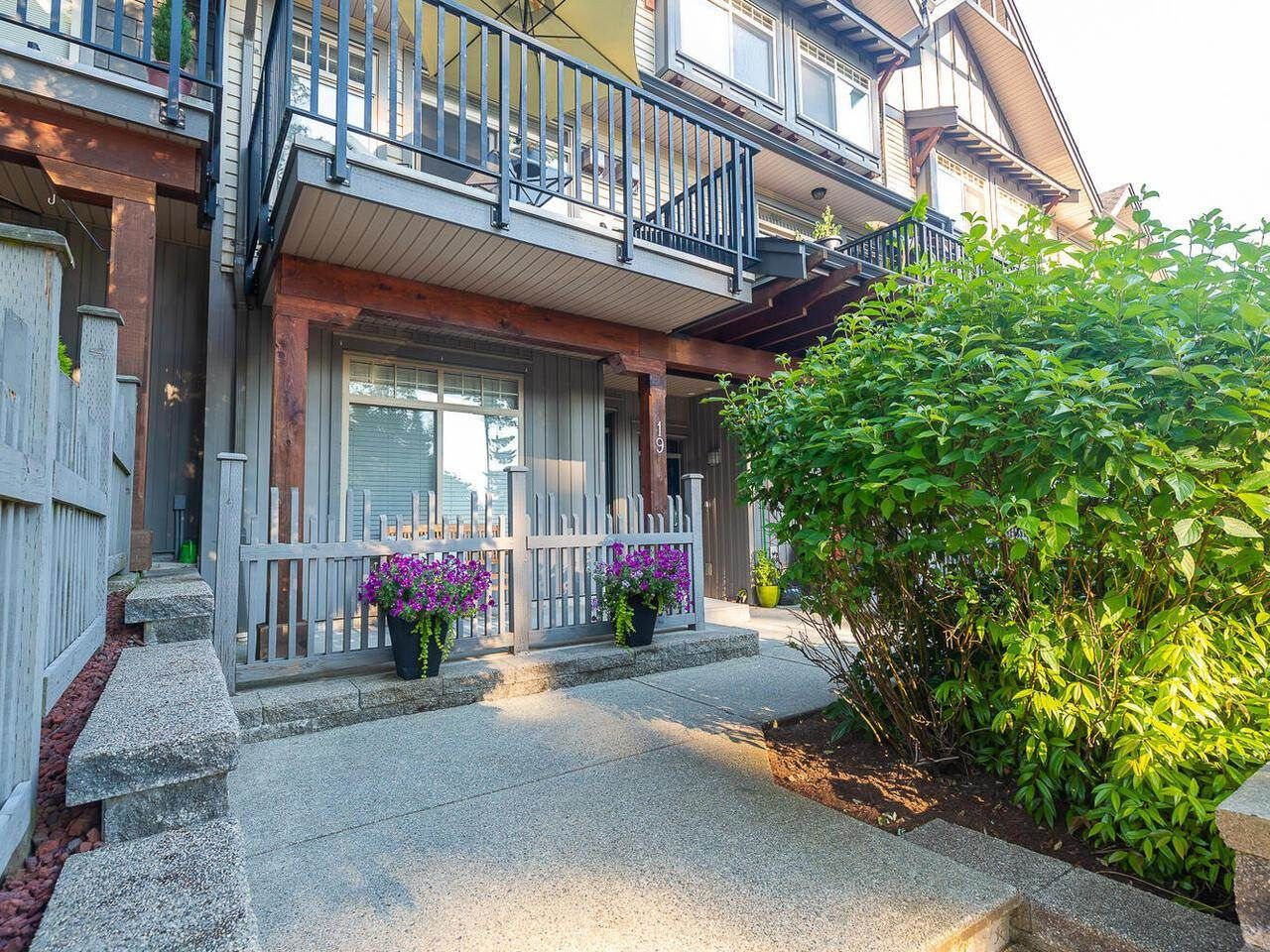 """Main Photo: 19 55 HAWTHORN Drive in Port Moody: Heritage Woods PM Townhouse for sale in """"Cobalt Sky by Parklane"""" : MLS®# R2597938"""