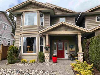 Photo 2: 1325 LEMAX Avenue in Coquitlam: Central Coquitlam 1/2 Duplex for sale : MLS®# R2575507