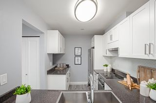 """Photo 7: 7 1870 YEW Street in Vancouver: Kitsilano Townhouse for sale in """"NEWPORT MEWS"""" (Vancouver West)  : MLS®# R2592619"""