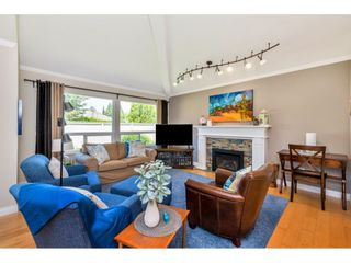 """Photo 1: 117 15121 19 Avenue in Surrey: Sunnyside Park Surrey Townhouse for sale in """"Orchard Park"""" (South Surrey White Rock)  : MLS®# R2459798"""