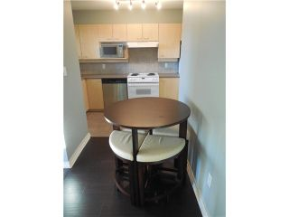 """Photo 12: 404 1990 DUNBAR Street in Vancouver: Kitsilano Condo for sale in """"THE BREEZE"""" (Vancouver West)  : MLS®# V1093598"""