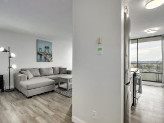 """Photo 3: 1203 2370 W 2ND Avenue in Vancouver: Kitsilano Condo for sale in """"Century House"""" (Vancouver West)  : MLS®# R2625457"""