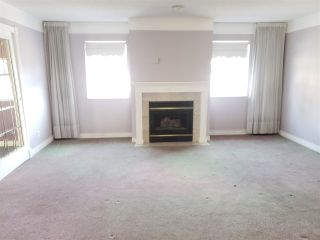 """Photo 3: 224 14861 98 Avenue in Surrey: Guildford Townhouse for sale in """"The Mansions"""" (North Surrey)  : MLS®# R2429452"""