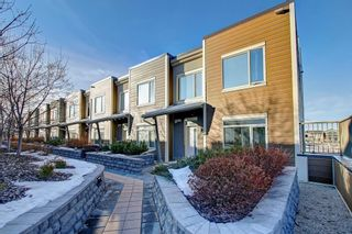 Photo 1: 228 10 WESTPARK Link SW in Calgary: West Springs Row/Townhouse for sale : MLS®# C4299549