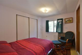 """Photo 23: 4485 STALASHEN Drive in Sechelt: Sechelt District Manufactured Home for sale in """"Tsawcome Properties"""" (Sunshine Coast)  : MLS®# R2574655"""