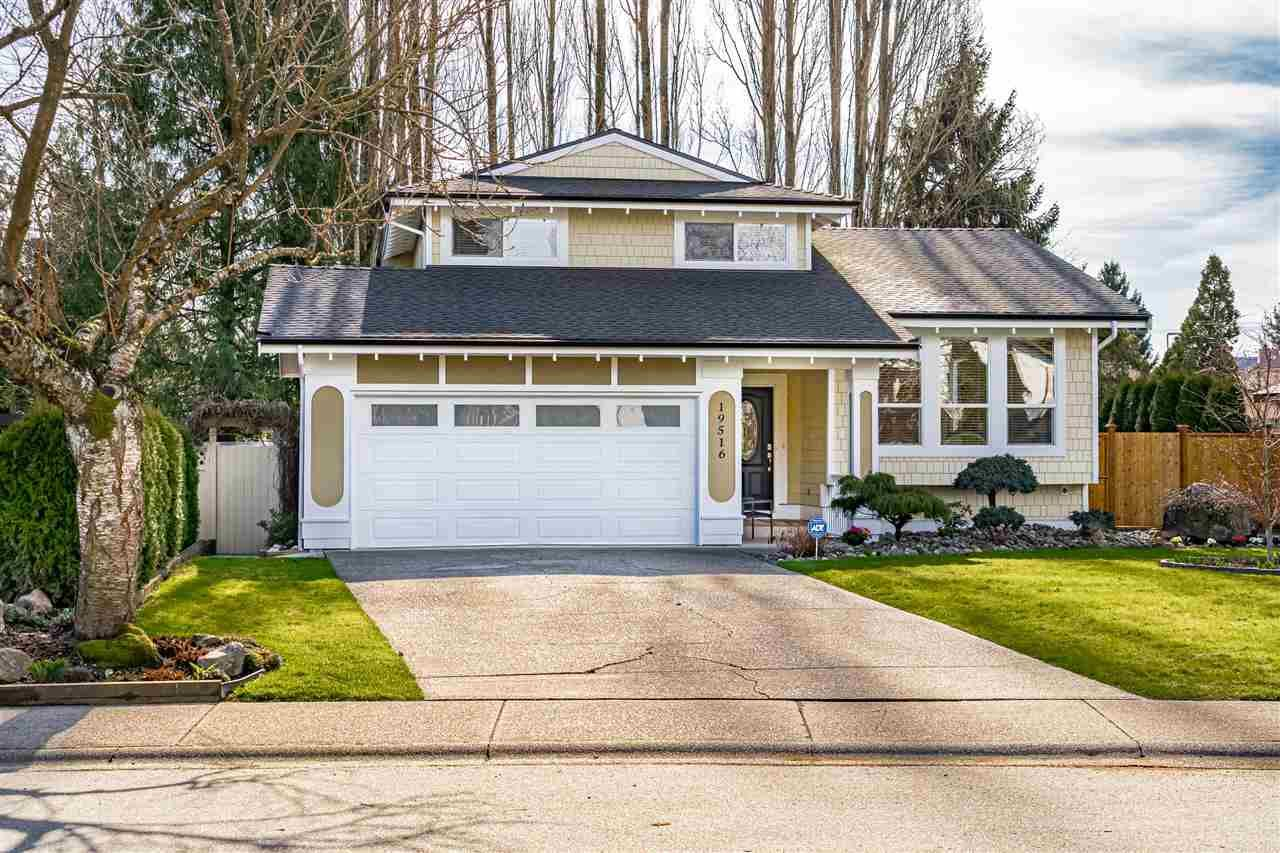 Main Photo: 19516 62A Avenue in Surrey: Clayton House for sale (Cloverdale)  : MLS®# R2548639