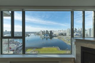 """Photo 2: 1905 1128 QUEBEC Street in Vancouver: Mount Pleasant VE Condo for sale in """"THE NATIONAL"""" (Vancouver East)  : MLS®# R2232561"""