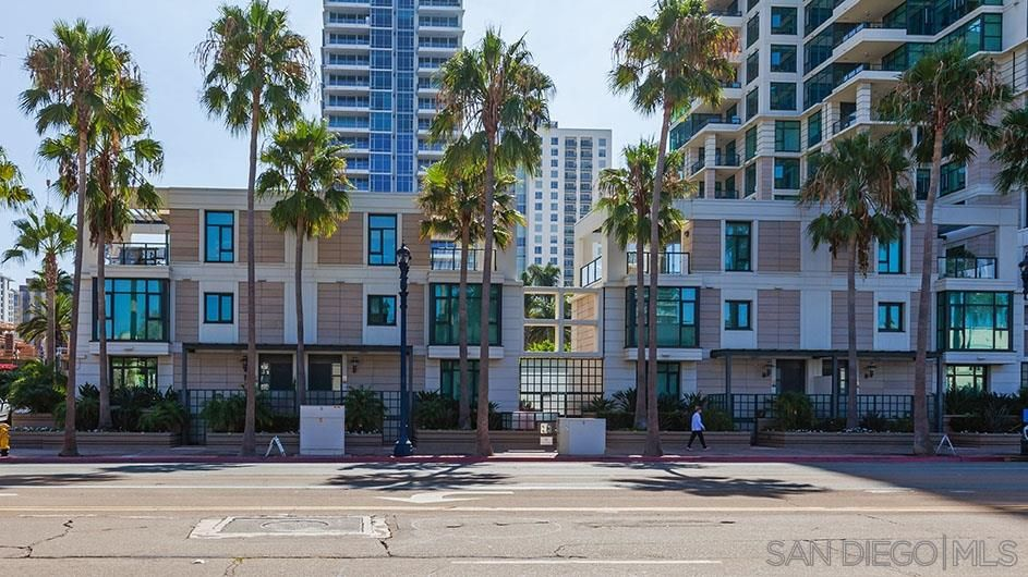 Main Photo: DOWNTOWN Condo for rent : 2 bedrooms : 1285 Pacific Highway ##102 in San Diego