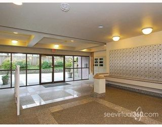 """Photo 7: 804 3455 ASCOT Place in Vancouver: Collingwood VE Condo for sale in """"QUEEN'S COURT"""" (Vancouver East)  : MLS®# V760161"""