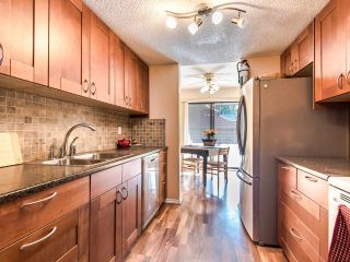 """Photo 4: 4336 GARDEN GROVE Drive in Burnaby: Greentree Village Townhouse for sale in """"GREENTREE VILLAGE"""" (Burnaby South)  : MLS®# R2406422"""