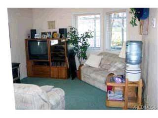 Photo 6: 763 Menawood Pl in VICTORIA: SE Cordova Bay Half Duplex for sale (Saanich East)  : MLS®# 309499