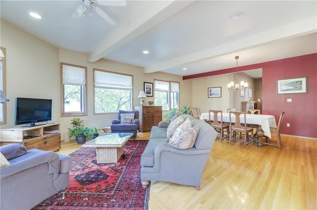 Photo 7: Photos: 906 North Drive in Winnipeg: East Fort Garry Residential for sale (1J)  : MLS®# 202116251
