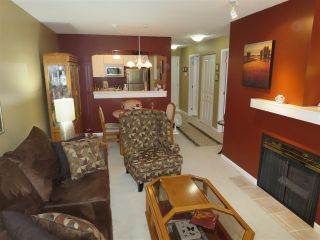 Photo 4: 228 1252 TOWN CENTRE Boulevard in Coquitlam: Canyon Springs Condo for sale : MLS®# R2094814