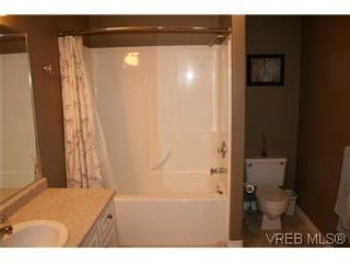 Photo 10: 26 300 Six Mile Rd in VICTORIA: VR Six Mile Row/Townhouse for sale (View Royal)  : MLS®# 560855