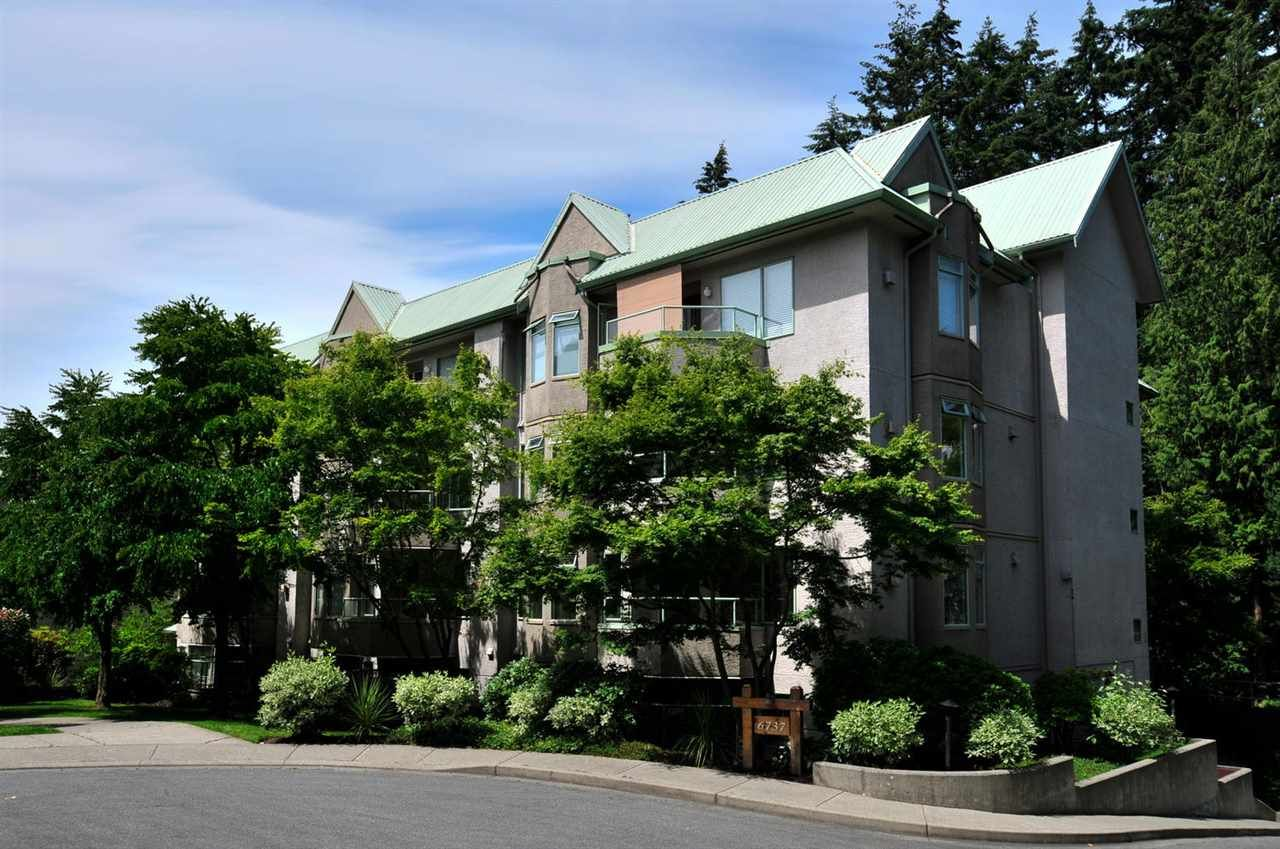 "Main Photo: 208 6737 STATION HILL Court in Burnaby: South Slope Condo for sale in ""THE COURTYARDS"" (Burnaby South)  : MLS®# R2084077"