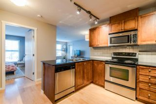 """Photo 2: 204 415 E COLUMBIA Street in New Westminster: Sapperton Condo for sale in """"SAN MARINO"""" : MLS®# R2339383"""