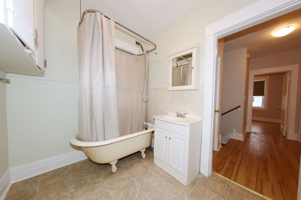 Photo 13: Photos: 470 Craig Street in Winnipeg: Wolseley Single Family Detached for sale (5B)  : MLS®# 1707181