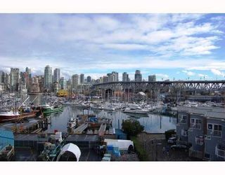 """Photo 2: 506 1510 W 1ST Avenue in Vancouver: False Creek Condo for sale in """"MARINER POINT"""" (Vancouver West)  : MLS®# V691019"""
