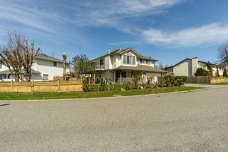Photo 2: 31355 CONAIR Avenue in Abbotsford: Abbotsford West House for sale : MLS®# R2355680