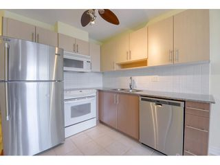 "Photo 4: 708 550 TAYLOR Street in Vancouver: Downtown VW Condo for sale in ""TAYLOR"" (Vancouver West)  : MLS®# R2536800"