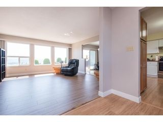 """Photo 8: 2280 MOUNTAIN Drive in Abbotsford: Abbotsford East House for sale in """"MOUNTAIN VILLAGE"""" : MLS®# R2611229"""