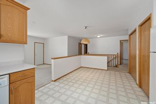 Photo 10: 810 Glasgow Street in Saskatoon: Avalon Residential for sale : MLS®# SK850121