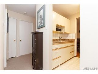 Photo 10: 202 964 Heywood Ave in VICTORIA: Vi Fairfield West Condo for sale (Victoria)  : MLS®# 719805