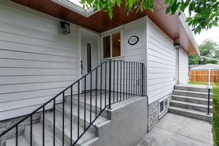 Photo 4: 1026 39 Avenue NW in Calgary: Cambrian Heights Semi Detached for sale : MLS®# A1127206