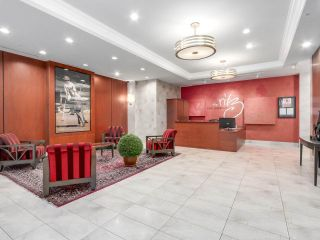 """Photo 2: 1202 1211 MELVILLE Street in Vancouver: Coal Harbour Condo for sale in """"The Ritz"""" (Vancouver West)  : MLS®# R2223413"""