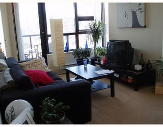 """Photo 2: 2010 977 MAINLAND Street in Vancouver: Downtown VW Condo for sale in """"YALETOWN PARK 3"""" (Vancouver West)  : MLS®# V729730"""