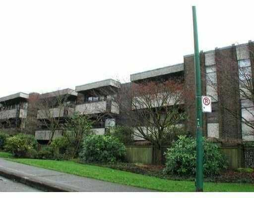 FEATURED LISTING: 304 2416 W 3RD AV Vancouver