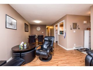 """Photo 5: 10531 HOLLY PARK Lane in Surrey: Guildford Townhouse for sale in """"HOLLY PARK LANE"""" (North Surrey)  : MLS®# R2147163"""